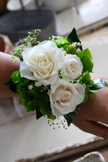 "Image of ""Wrist corsage - sizeML"""